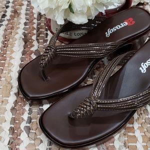 NWT AeroSoft sandals size 6